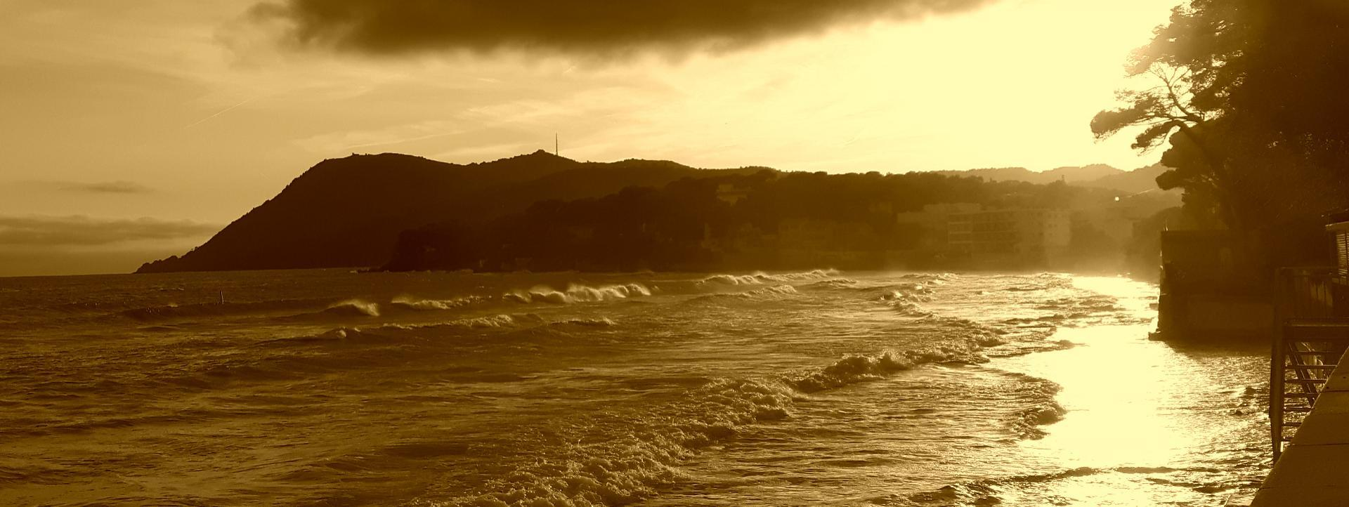 wave report FR, Plage des Sablettes (83)