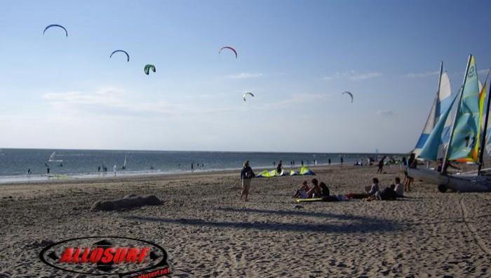 Wind report Les Huttes - Trois Pierres - France (17) 2007-08-08 16:00:00