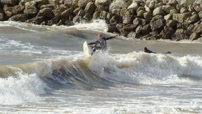 Surf report La Rochelle - Chef de Baie - France (17) 2008-03-09 12:00:00