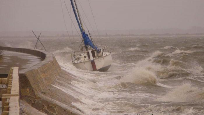 Wind report Andernos - Le Betey - France (33) 2008-04-18 18:00:00