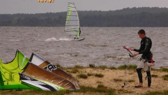 Wind report Lacanau Lac - France (33) 2008-04-28 15:00:00