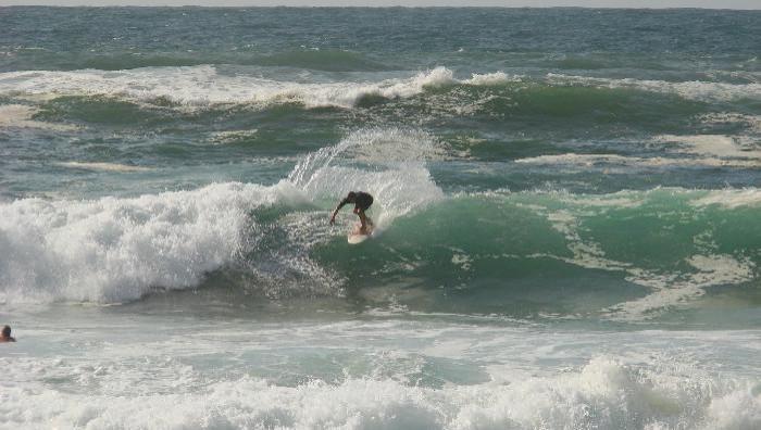 Surf report Capbreton - La Centrale - France (40) 2008-08-13 14:00:00