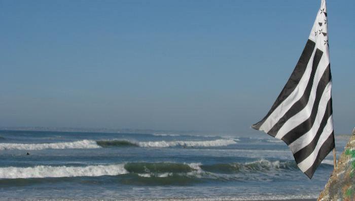 Surf report La Torche - France (29) 2008-10-10 16:00:00