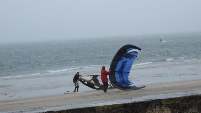 Wind report Arcachon - Les Arbousiers - France (33) 2008-12-04 14:00:00
