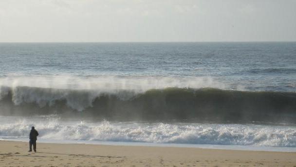 Surf report Hossegor - La Gravière - France (40) 2008-12-10 13:00:00