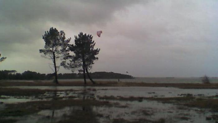 Wind report Lacanau Lac - France (33) 2008-12-04 16:00:00