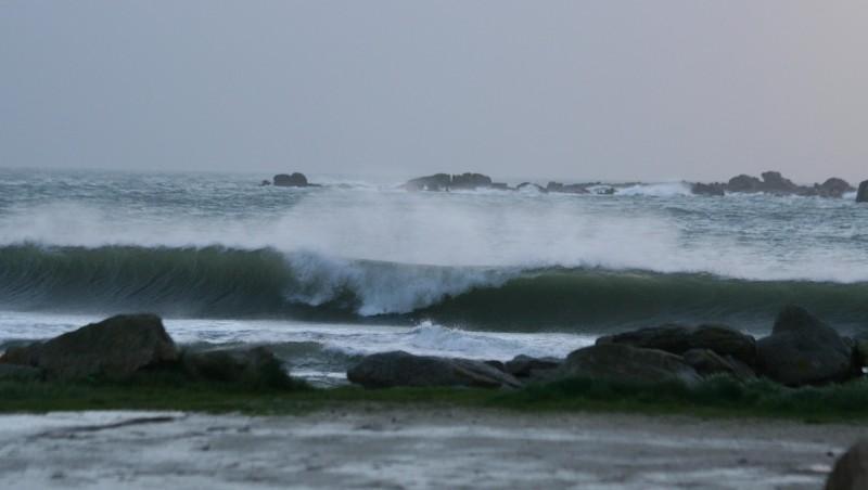 Surf report Sables Blancs (Loctudy) - France (29) 2008-12-05 12:00:00