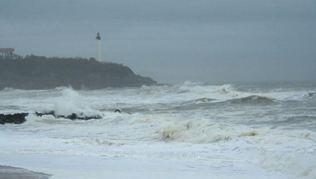 Surf report Anglet VVF - France (64) 2008-12-06 12:00:00