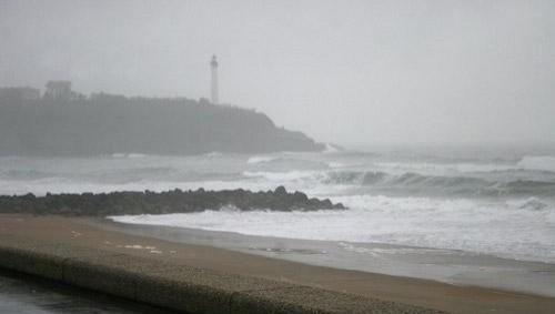 Surf report Anglet VVF - France (64) 2008-04-01 12:00:00