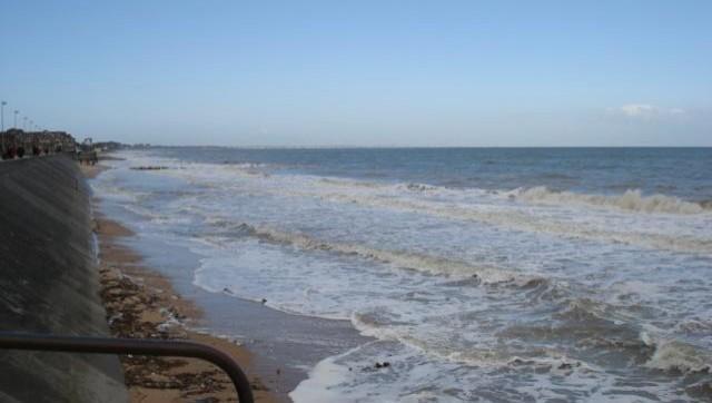 Surf report Le Menhir - France (14) 2008-04-07 12:00:00