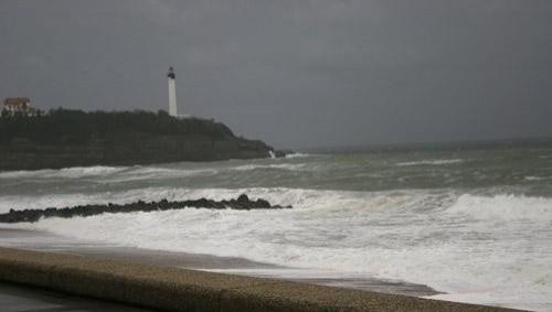 Surf report Anglet VVF - France (64) 2008-04-12 12:00:00