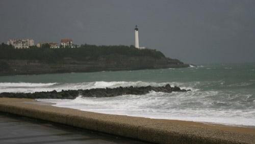 Surf report Anglet VVF - France (64) 2008-04-21 12:00:00