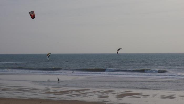 Wind report Lacanau Océan - La Nord - France (33) 2009-05-04 16:00:00