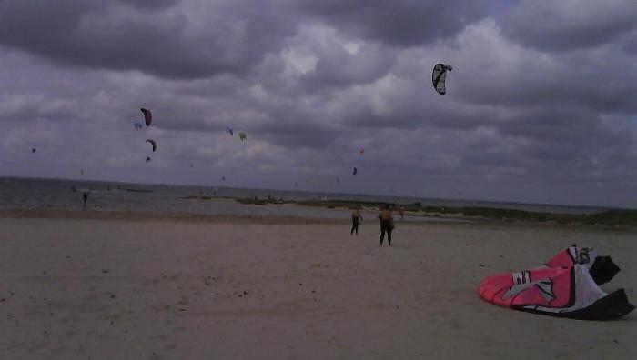 Wind report La Hume - France (33) 2009-07-07 16:00:00