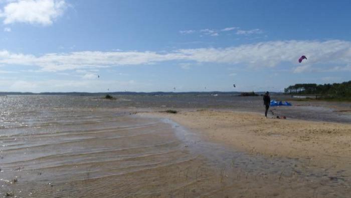 Wind report Hourtin - Lachanau - France (33) 2009-07-23 17:00:00
