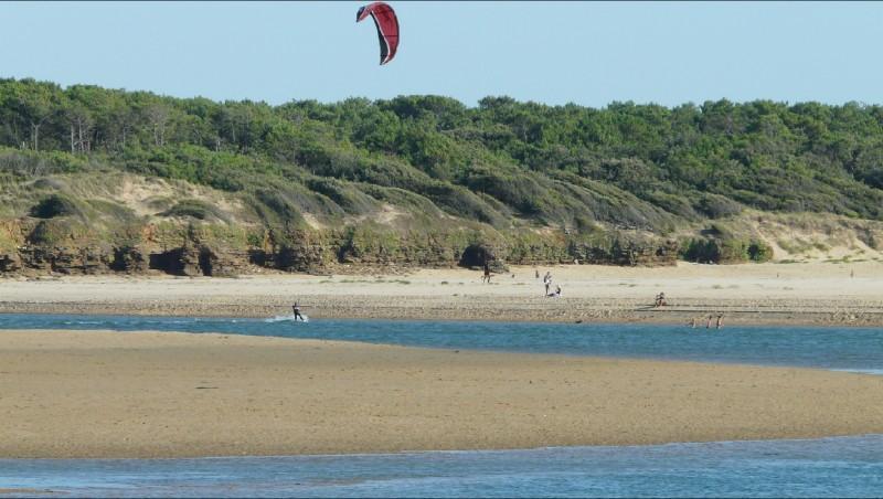 Wind report Plage du Veillon - France (85) 2009-08-12 18:00:00