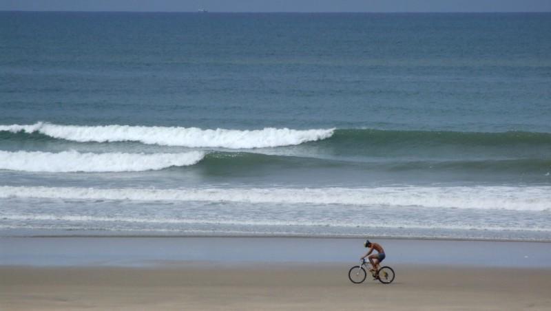 Surf report Montalivet - France (33) 2009-08-08 09:00:00