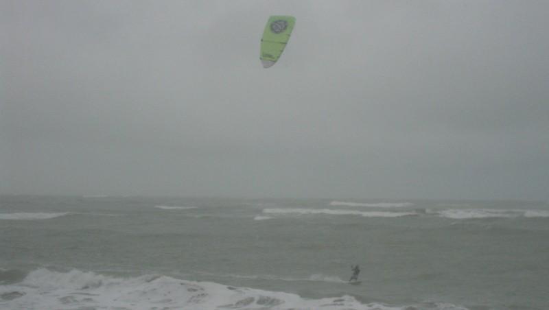 Wind report Les Huttes - Trois Pierres - France (17) 2009-11-25 12:00:00