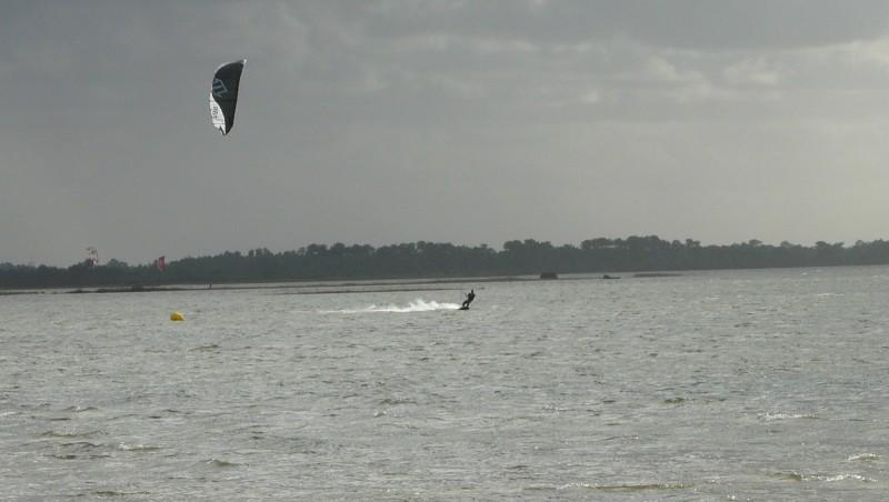 Wind report Hourtin port - France (33) 2009-11-26 14:00:00
