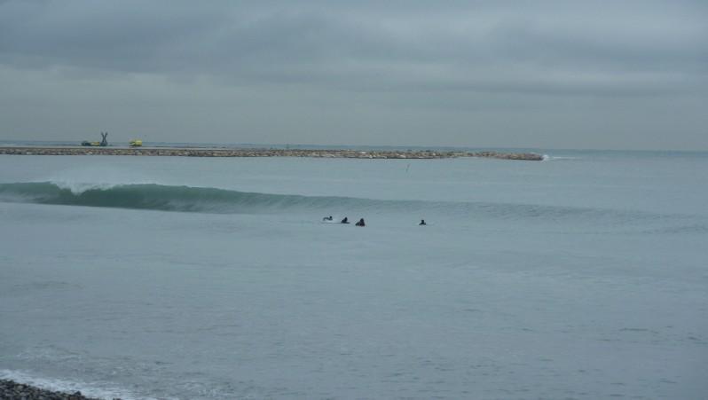 Surf report Saint-Laurent-du-Var - Cap 3000 - France (06) 2009-12-22 08:00:00