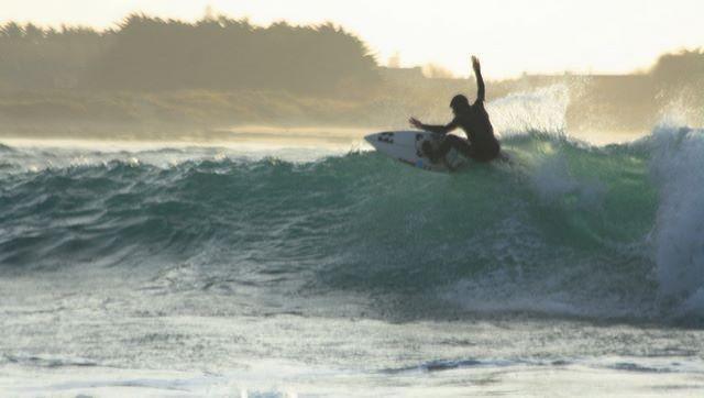 Surf report Pors Carn - France (29) 2009-01-14 12:00:00