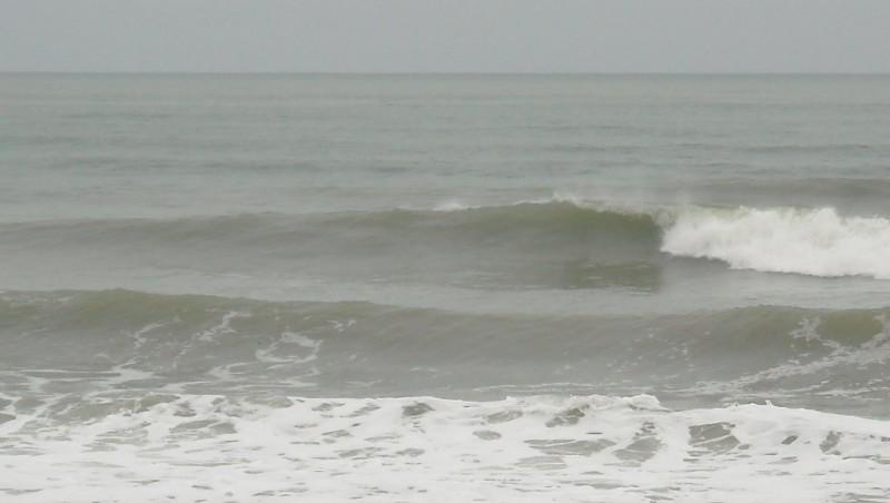 Surf report Le Trillou - France (17) 2009-08-25 08:30:00
