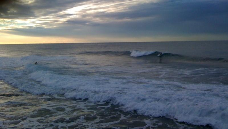 Surf report Sausset les Pins - Plage du Port - France (13) 2009-11-03 08:10:00