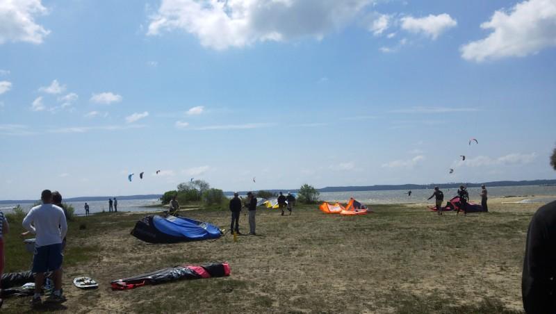 Wind report Hourtin - Lachanau - France (33) 2010-05-15 15:00:00