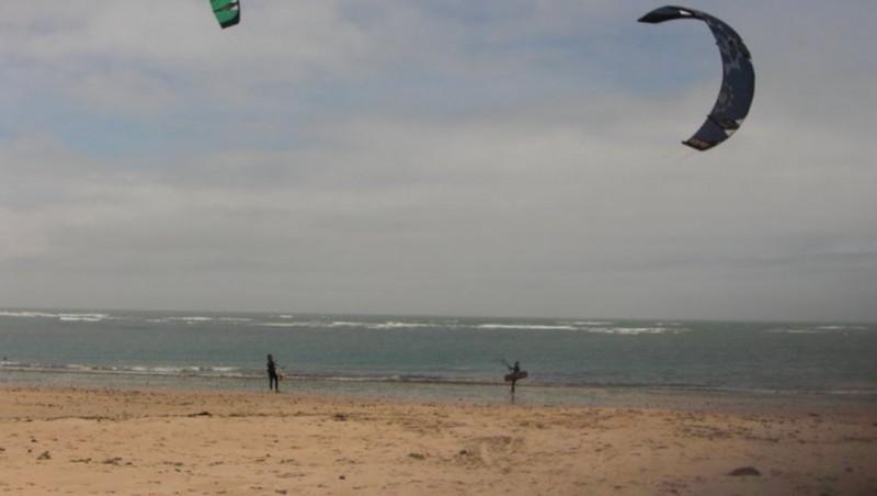 Wind report Les Huttes - Trois Pierres - France (17) 2010-05-30 14:00:00