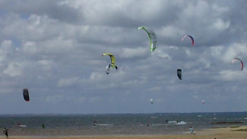 Wind report La Hume - France (33) 2010-07-23 13:00:00