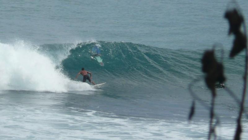Surf report Uluwatu - Indonésie (ID) 2010-08-04 07:00:00