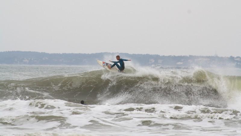 Surf report Pointe de Grave - France (33) 2010-10-03 13:00:00