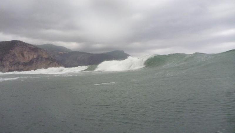 Surf report Beaulieu sur Mer - Niven - France (06) 2010-10-04 17:00:00