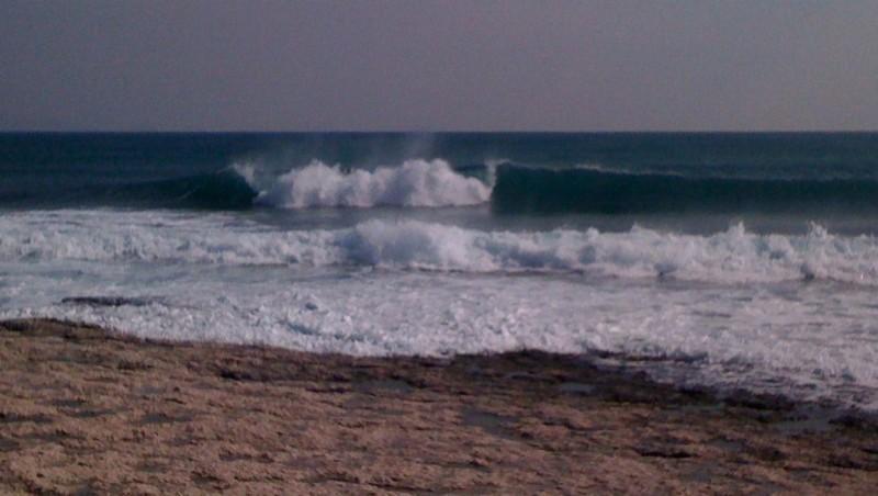 Surf report Sausset les Pins - Plage du Port - France (13) 2010-03-09 14:00:00