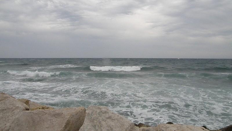 Surf report Sausset les Pins - Plage du Port - France (13) 2010-06-09 17:10:00