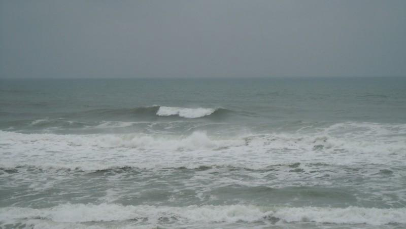 Surf report Lacanau Océan - La Nord - France (33) 2010-06-16 09:30:00