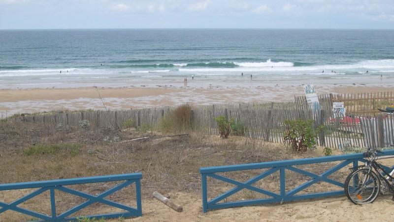 Surf report Lacanau Océan - La Sud - France (33) 2010-07-12 14:00:00