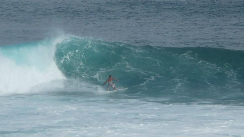 Surf report Uluwatu - Indonésie (ID) 2010-08-05 07:00:00