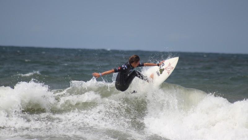 Surf report Lacanau Océan - La Nord - France (33) 2010-08-13 18:00:00