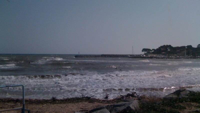 Surf report Saint-Aygulf - Zone Kite - France (83) 2010-10-09 13:50:00