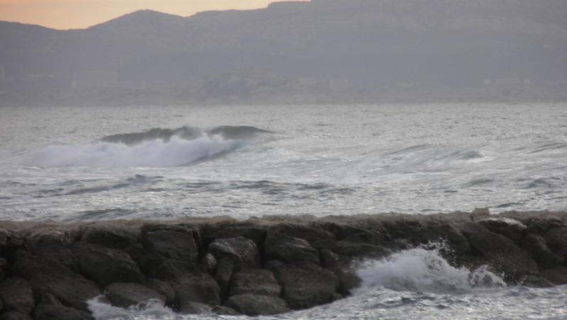 Surf report Sausset-les-Pins - L'Hermitage - France (13) 2011-11-22 09:15:00