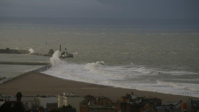 Surf report Le Havre - Les Régates - France (76) 2011-12-15 11:00:00