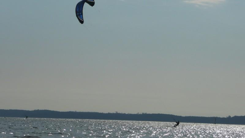 Wind report Hourtin port - France (33) 2011-04-24 17:00:00