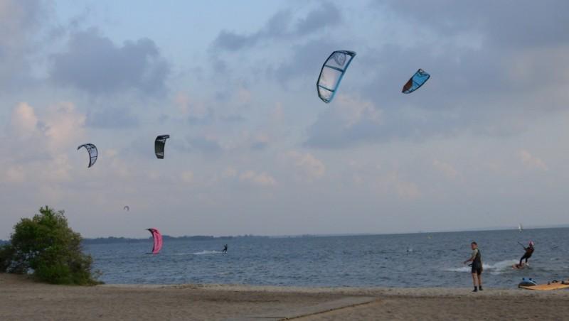 Wind report Hourtin port - France (33) 2011-05-03 18:00:00