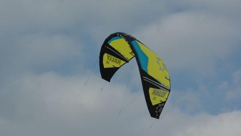 Wind report La Hume - France (33) 2011-06-15 15:00:00