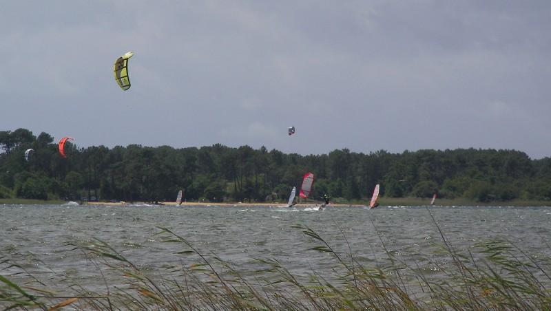 Wind report Les Aigrettes - France (40) 2011-06-18 12:00:00