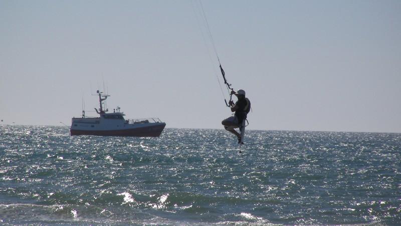 Wind report Le Porge - France (33) 2011-06-25 16:00:00