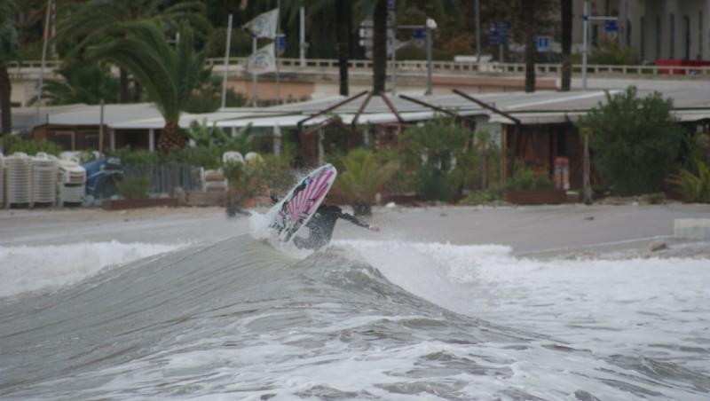 Surf report Menton - Baie du Soleil - France (06) 2011-11-08 13:00:00