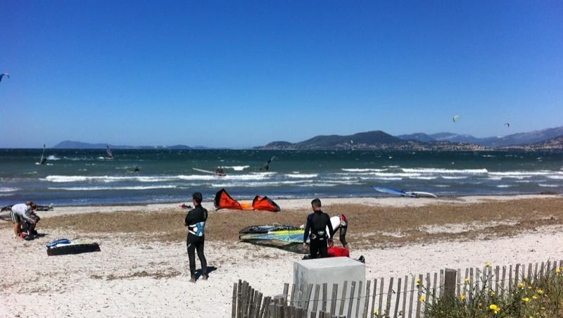 Surf report La Madrague - France (83) 2011-05-15 11:09:00