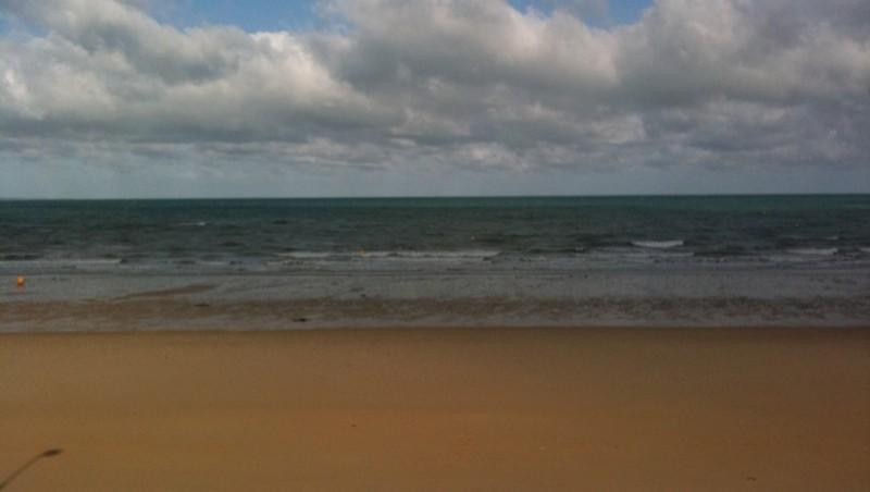Surf report Carolles - France (50) 2011-07-06 09:00:00
